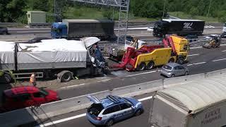 Bologna: incidente fra tir, chiuso un tratto dell'a14 verso l'a1 | video