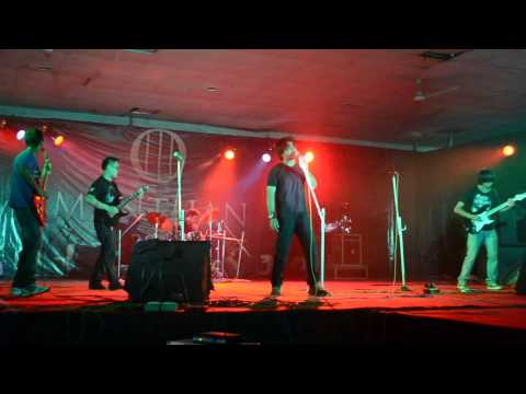 Download Master of puppets-metallica (cover) @ Manthan 2012 IIT Guwahati HD