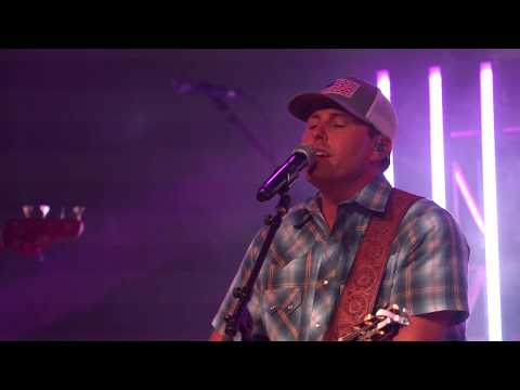 "Casey Donahew performs ""Kiss Me"" in San Diego 