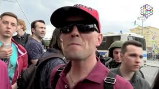 Смотреть видео На митинге в Москве скрутили сторонника Путина, когда тот хвалил президента РФ онлайн