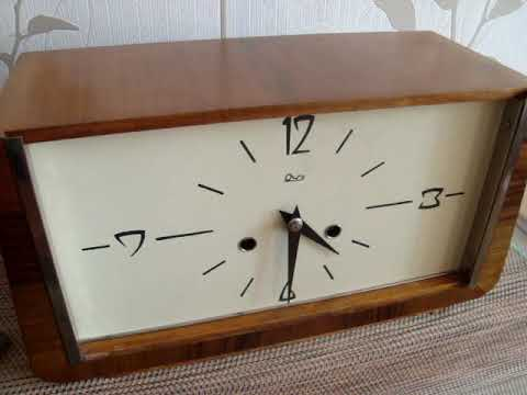 Часы настольные, каминные Янтарь с боем 1963