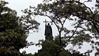 Киев ч 2 Каштановая неделя мая 2013 годаАвтор А Соловьев(Во второй части видео фильма осмотрены следующие достопримечательности Киева: колодец