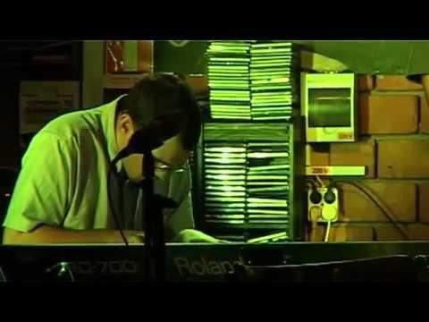 MJF|2014-Internet|Round-Piano-Lajos-Tóth-Austria-01 (full)