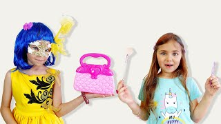 Elina and Julia Pretend Play Beauty Hair Salon Funny video for girls