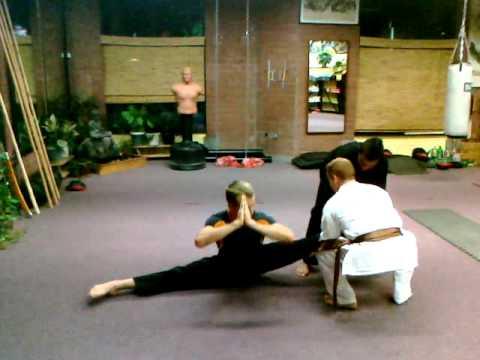 guys doing the splits