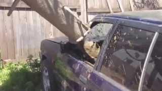 RoadRage Ru   Водительская разборка в Казани  Залили бетон в машину обидчика.(, 2013-09-09T04:08:25.000Z)