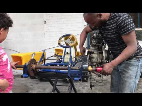 Chemsy et Amel en mode karting Gt autos