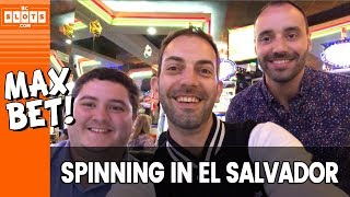 Baixar 🎰 Marco & Brian GAMBLE in El Salvador 💰 MAX Betting @ Colonial ✪ BCSlots