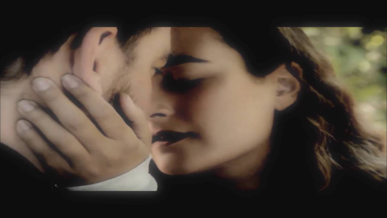 Did dinozzo and ziva ever hook up
