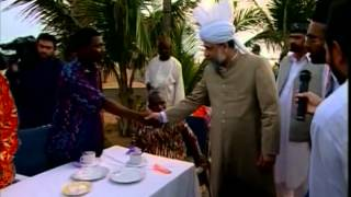 Visit to Hospital in Porto-Novo, Press Conference at sea side, Benin 2004 ~ Islam Ahmadiyya