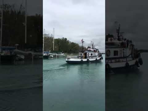 Departure of the Mink Isle from Sarnia south bound. Video by Mike Cunningham.
