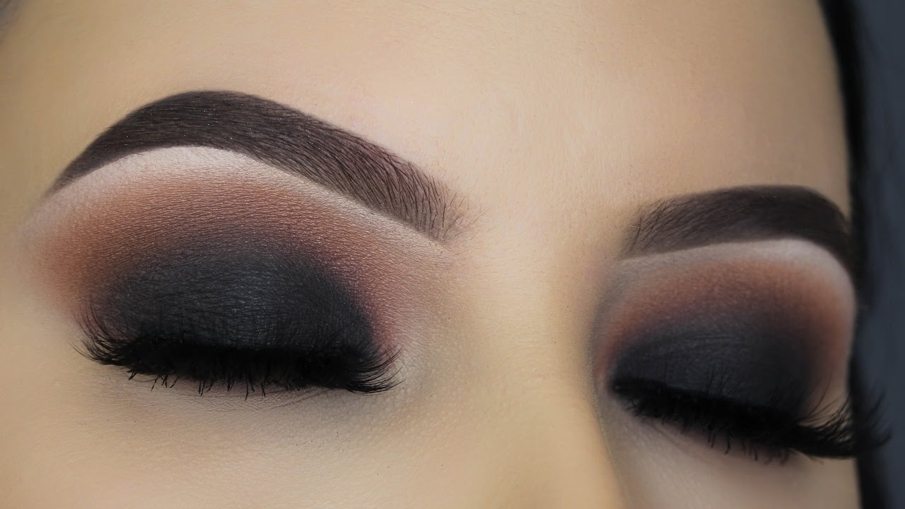 Super Classic Black Smokey Eye Tutorial - YouTube UC09