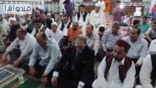 بالفيديو:محافظ ومدير أمن مطروح يشهدان الاحتفال بليلة القدر في مسجد التنعيم