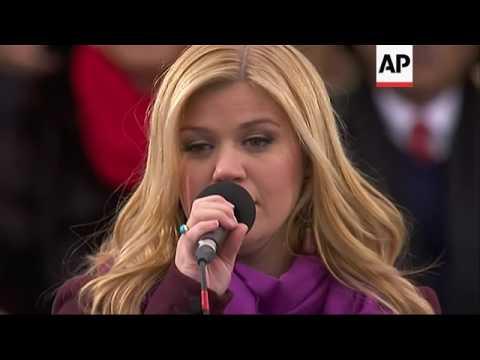 Kelly Clarkson: Obamas were genuine