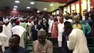 Lawmakers hail, boo President Buhari as he arrives the National Assembly to present the 2019 budget