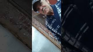 Пенсионер барыга торгует трамадолом по 100 руб. за таблетку
