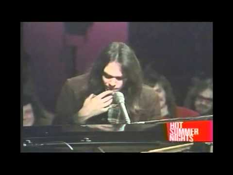 Neil Young Live At The BBC 1971. 06 A Man Needs A Maid.