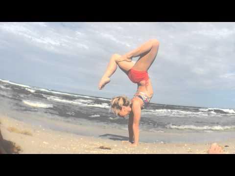 West Palm Beach Yoga Demo: Handstand