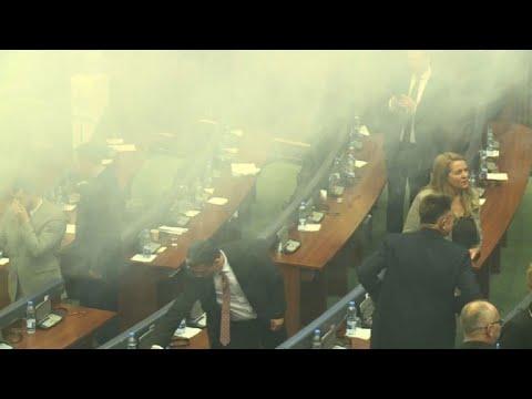 Tear gas hampers vote on Kosovo key border deal