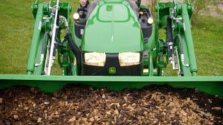Tractor compacto 1026R con pala cargadora frontal | John Deere ES
