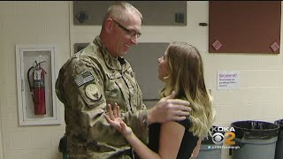 Soldier Comes Home Early, Surprises Kids At School
