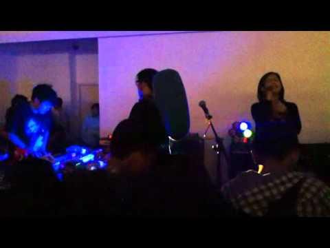 Bottlesmoker feat Risa Saraswati - Langkah Peri (Cherry Bombshell).mp4