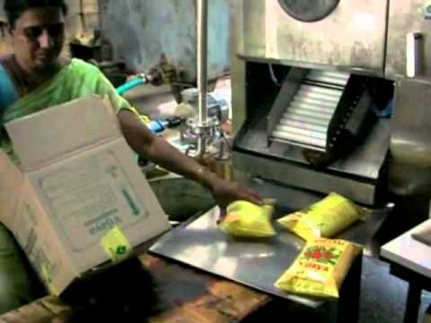 Edible Oil Pouch Packing Machine 91 8885019266 Youtube