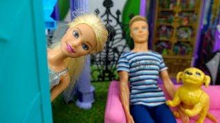 Giochi par bambini. Nuova casa di Barbie. Giochi per bambini con le bambole