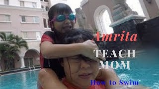 Fun Swimming Lessons for Beginners - Teaching Kids How to Swim by 6 Year Old Swimming Teacher