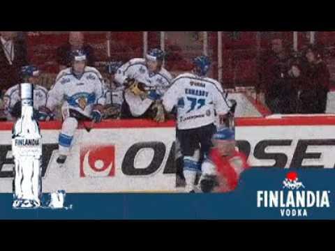 Пьяные фины хоккеисты на льду