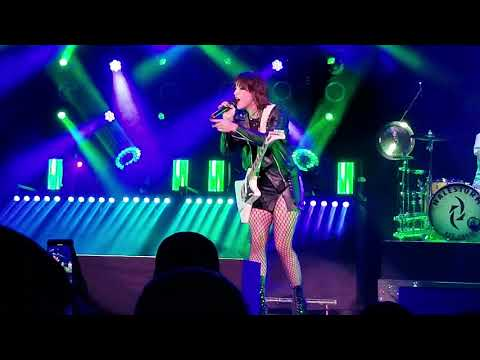 DO NOT DISTURB HALESTORM LIVE SILVERSTEIN EYES ARENA INDEPENDENCE MO 7 27 2018