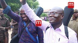 FULL VIDEO: Babu Seya na Papi Kocha wakitoka Gerezani