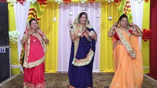 Ladies Sangeet Groom Mother Dance | Pyari bahurani mere ghar aayi | Shagun ki ghadiya aayi hai