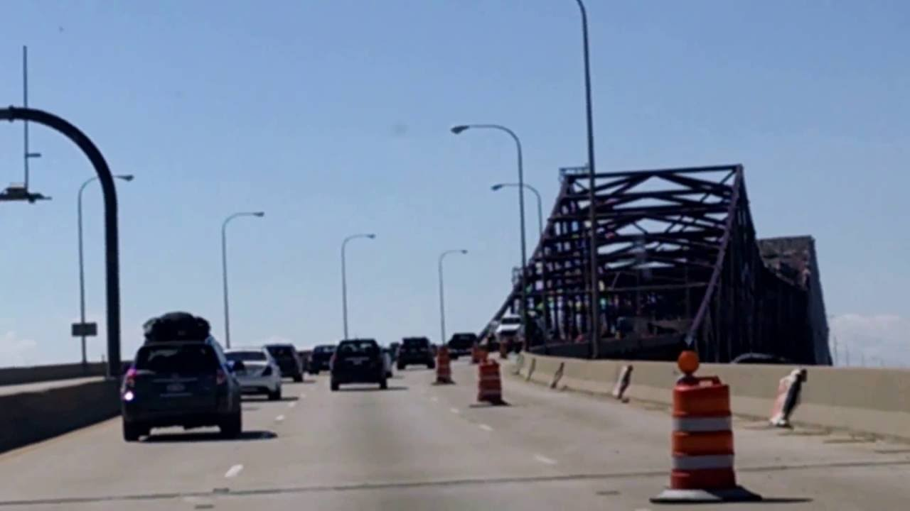 skyway bridge entering chicago