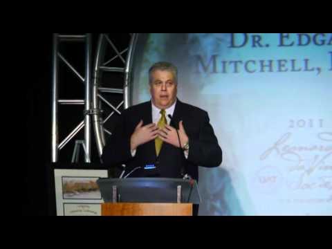 2011 DaVinci Society Lunchoen - Dr Edgar D. Mitchell