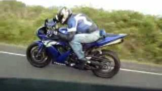 BMW M3 TURBO VS YAMAHA R1