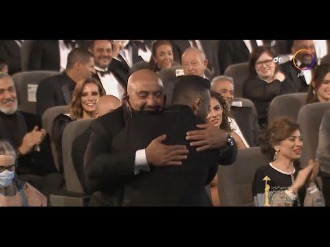 """شاهد ماذا فعل """"تامر حسني"""" مع """"أحمد السقا"""" في مهرجان القاهرة السينمائي الدولي"""