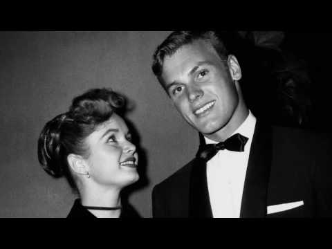 Tab Hunter Confidential film gay 2016 extrait 1 from YouTube · Duration:  1 minutes 34 seconds