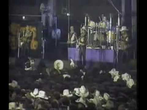 Los Tigres Del Norte - El Dorado En Vivo 1988.avi