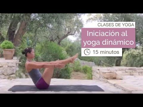 Clase de yoga: Vinyasa yoga para iniciarse al yoga dinámico (15 minutos)