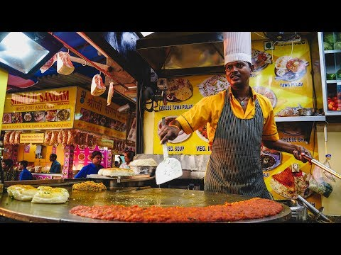 Foreigner Tries Indian Street Food in Mumbai, India | Juhu Beach Street Food Tour