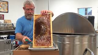 Honey processing from box to bucket