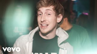 Watch Asher Roth I Love College video