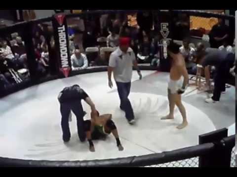 USA vs Brazil, American college student  chokes brazilian capoeira master