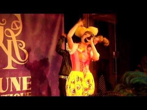 Kyary Pamyu Pamyu Live singing PONPONPON in Los Angeles