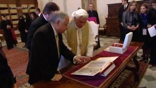 Lech Kaczyński na audiencji u papieża Benedykta XVI