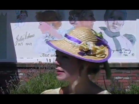 Chemainus Murals - Julia Askew, historical tour guide