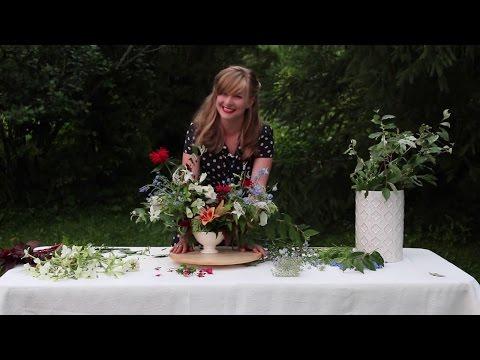 Patriotic Arrangement Using Star-shaped Flowers