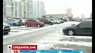 Безпечне пересування взимку для пішоходів і автомобілів