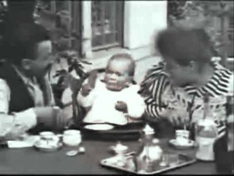 Feeding the Baby - Lumiere Brothers (1895)